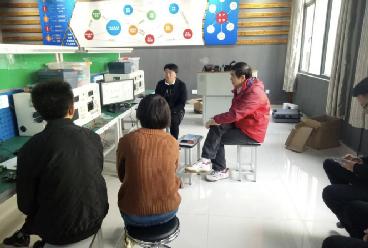 竞博友道在江西农业大学南昌商学院举办电子产品创新设计开发实战培训